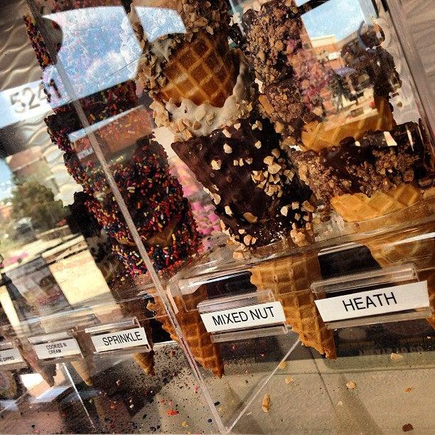 MAGGIE MOO'S,dessert,granite slab,ice cream