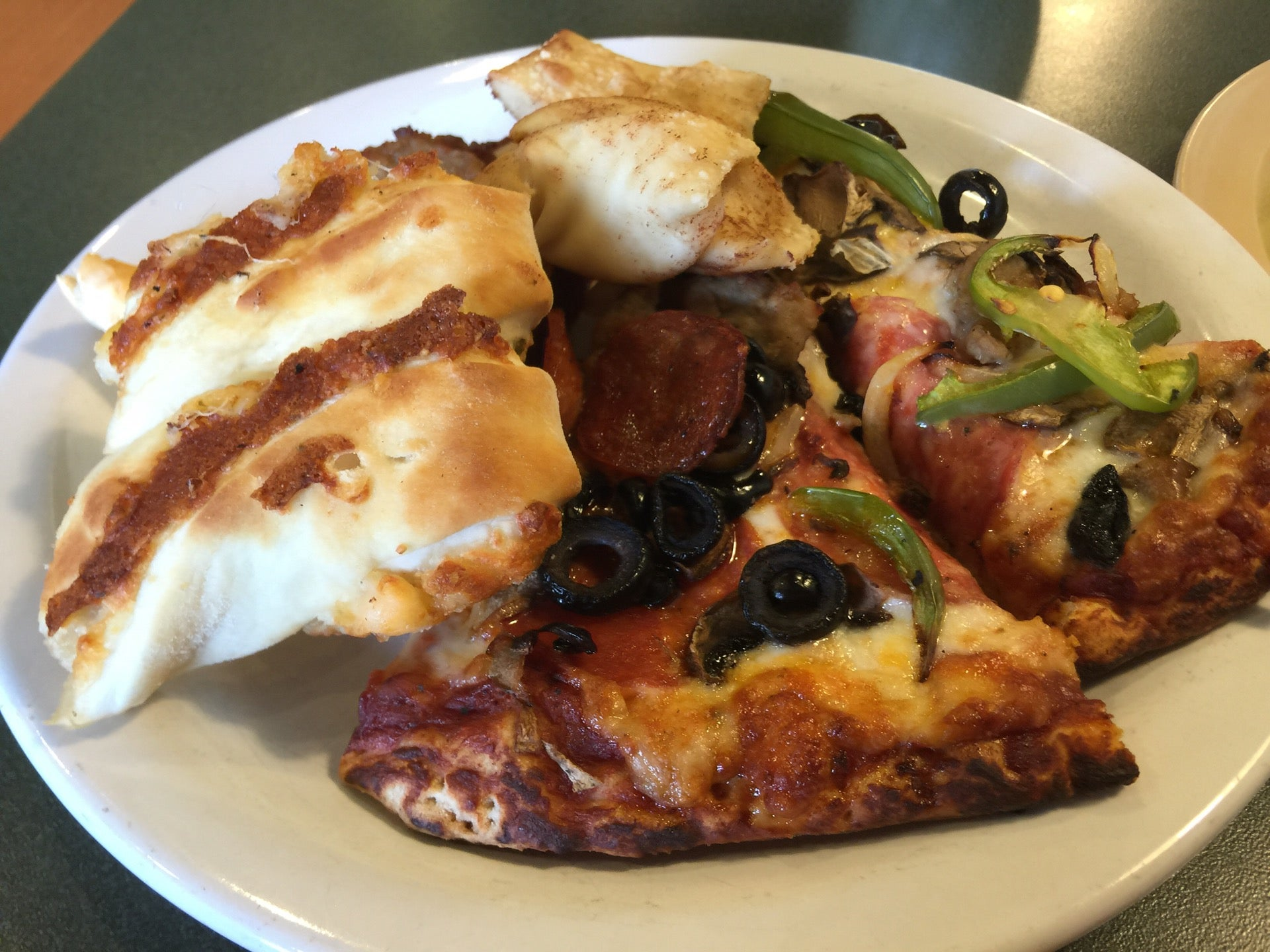 Round Table Pizza In Pacifica Parent Reviews On Winnie