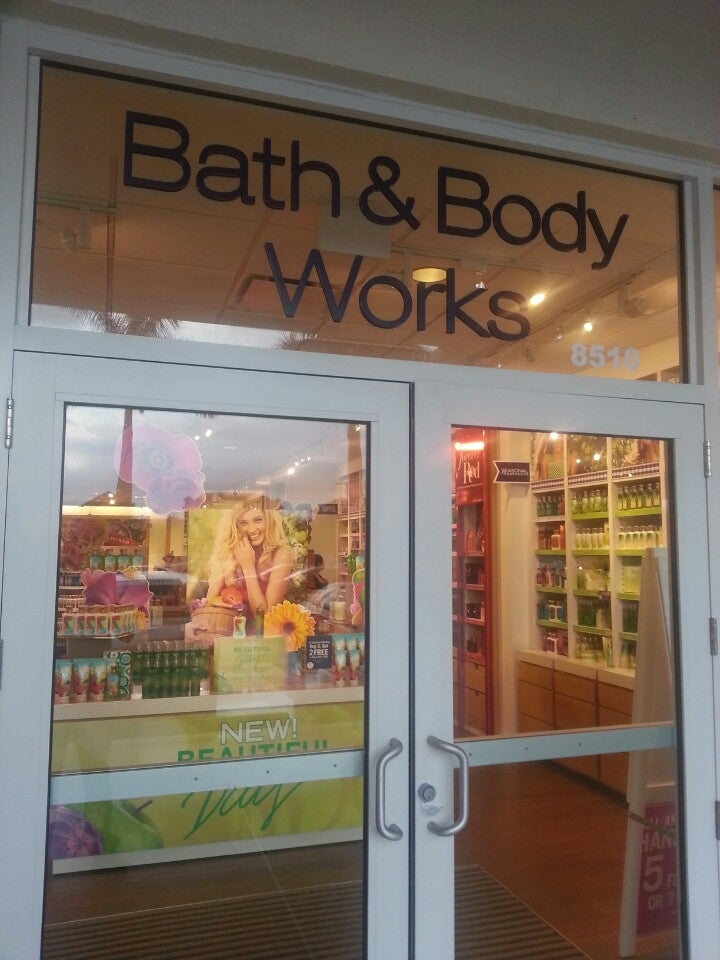 BATH & BODY WORKS,