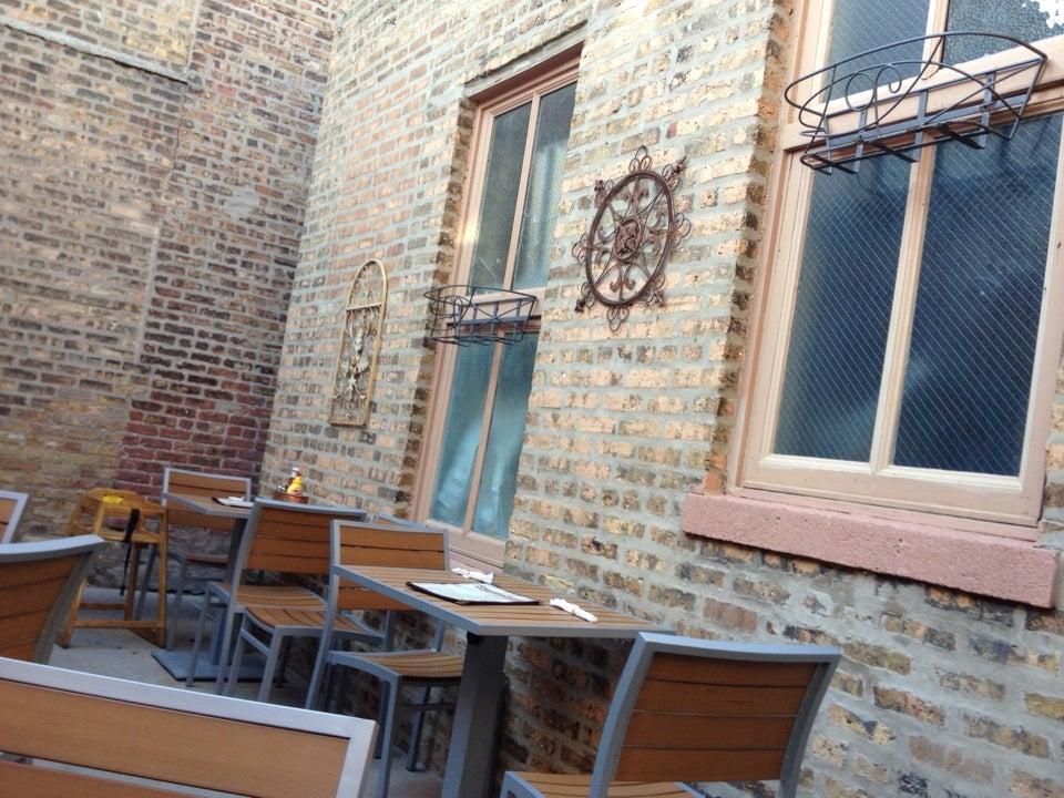 Norton's Restaurant,warm, friendly atmosphere