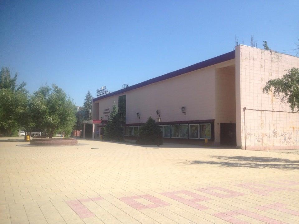 Цена билета в волжский драматический театр афиша театров щелкунчик