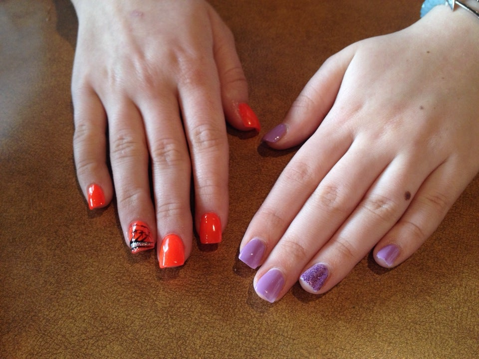 Hollywood Nails & Spa,