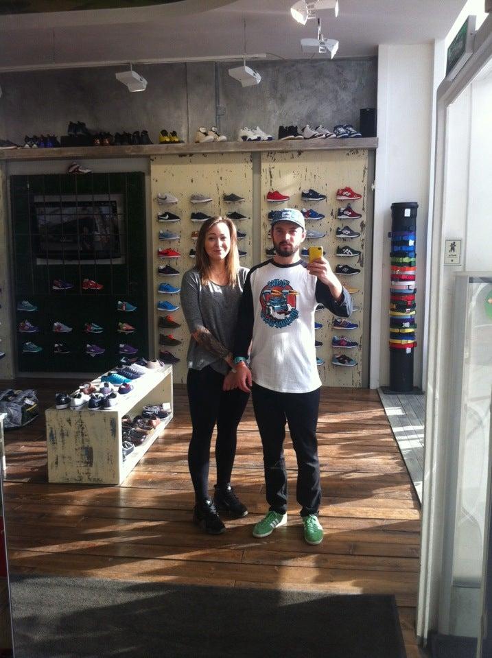 50ea8119711b FootBox на Литейном, отзывы о спортивных магазинах Санкт-Петербурга ...