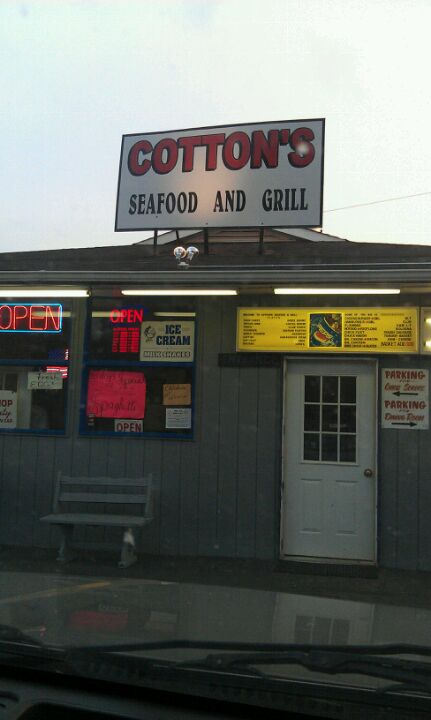 Cotton's Seafood Restaurant,
