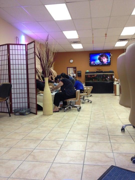 Paris Nails,nail salon