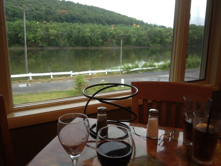 TONY'S Restaurant,