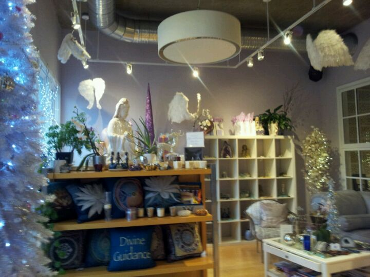 TRUTH BEAUTY AND WELLNESS,couples massage,natural & organic,organic products,spa pedicures & manicures,the best facials