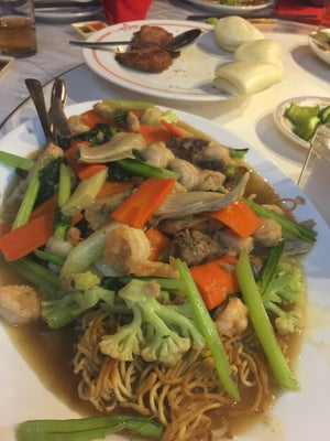 dari Restoran Queen (Bandung Tengah) di Bandung Tengah |Bandung