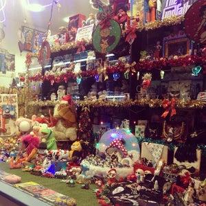 Admiral Vernon Antiques Market