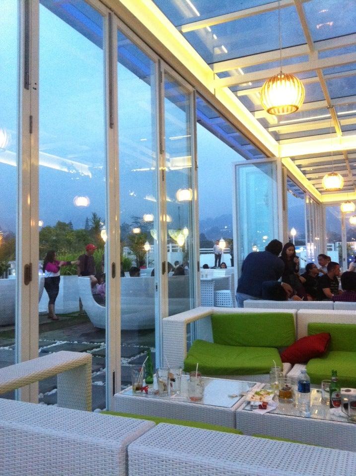 Photo Puncak S Nicole S Kitchen Lounge Restaurant
