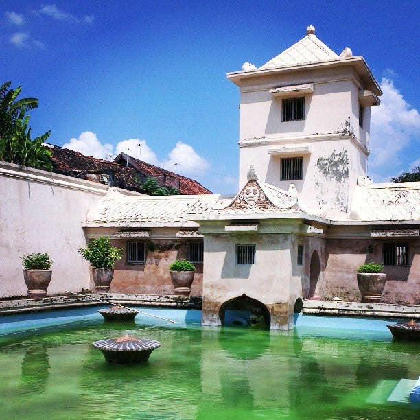 Water Castle (tamansari)