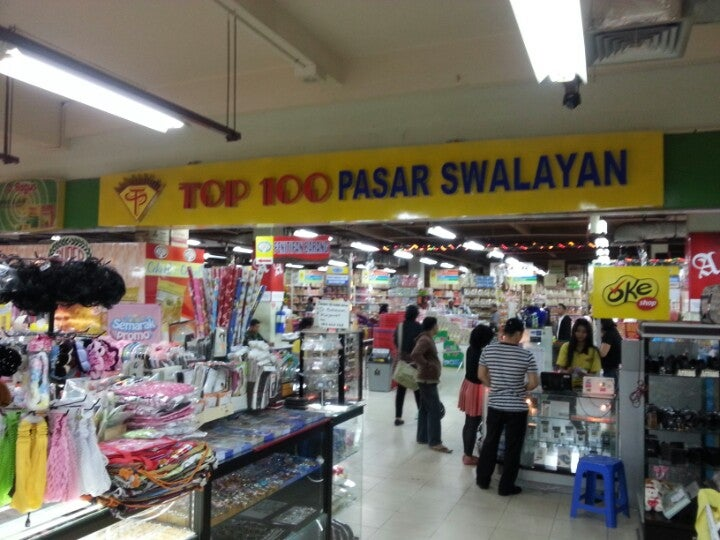 Plaza Top 100 Penuin Batam