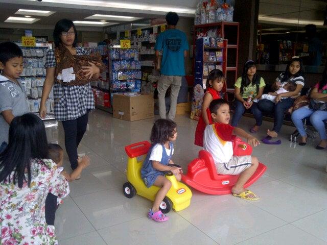 Athena Baby Shop Dr. Mansur Medan