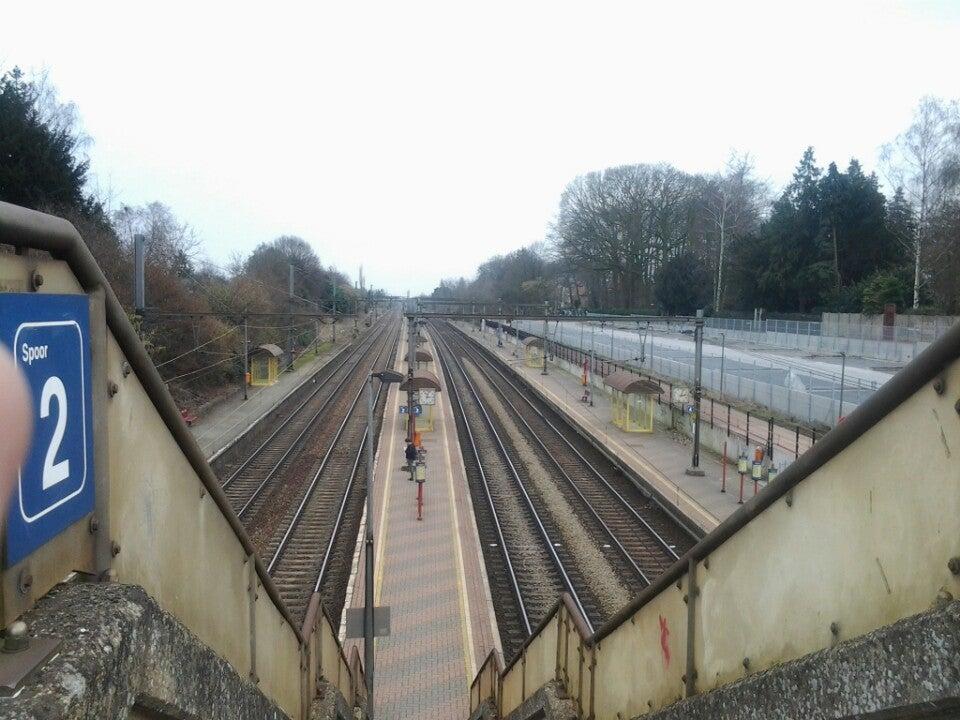 Station van Hove