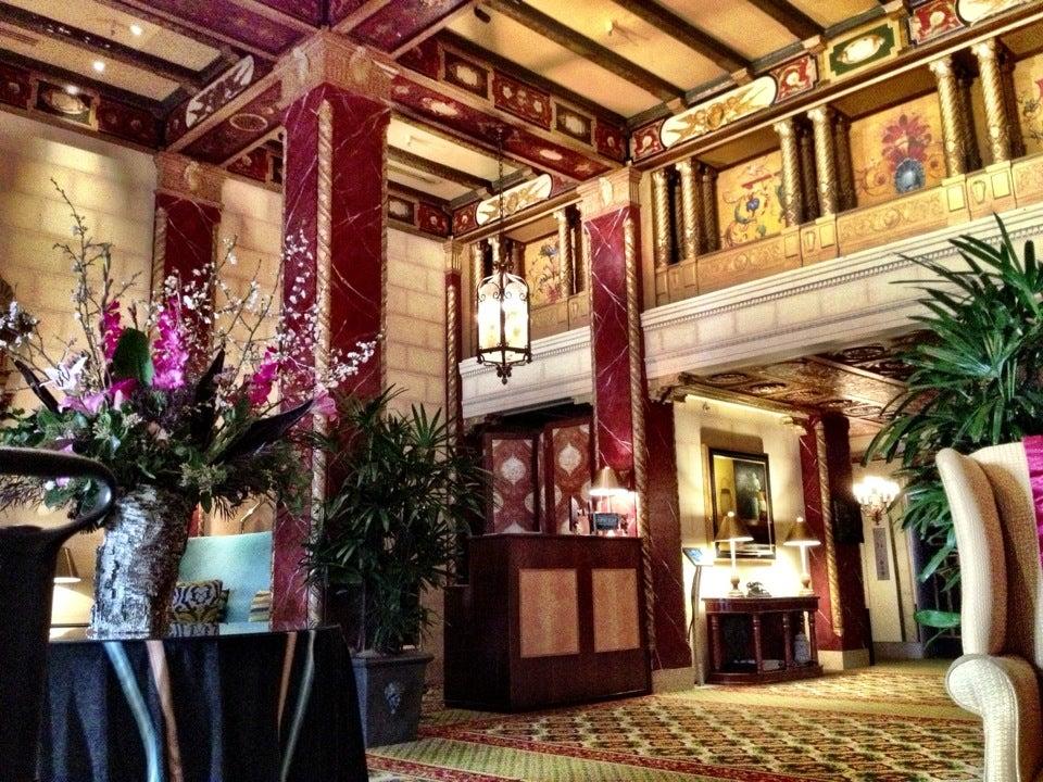 Photo of Serrano Hotel
