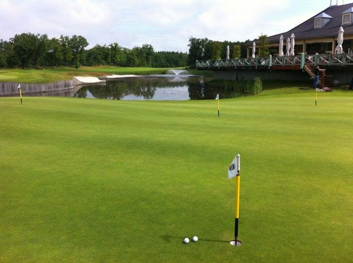 Goyer Golf & Country Club