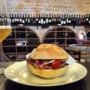 Trulli E Puglia Wine Bar And Resort