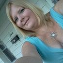 Lynette Engle