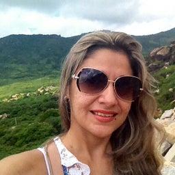Magnolia Oliveira