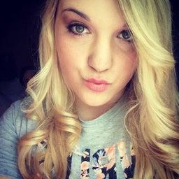 Brooke Niblett 🎵
