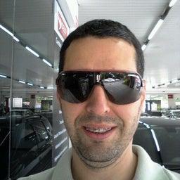 Emilio Carlos