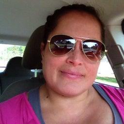 Reyna R Martinez