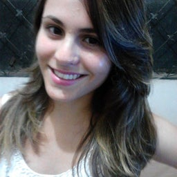 Ana Carolina Carvalho Gomes