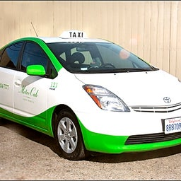 Santa Monica Green taxi Metro Cab Co